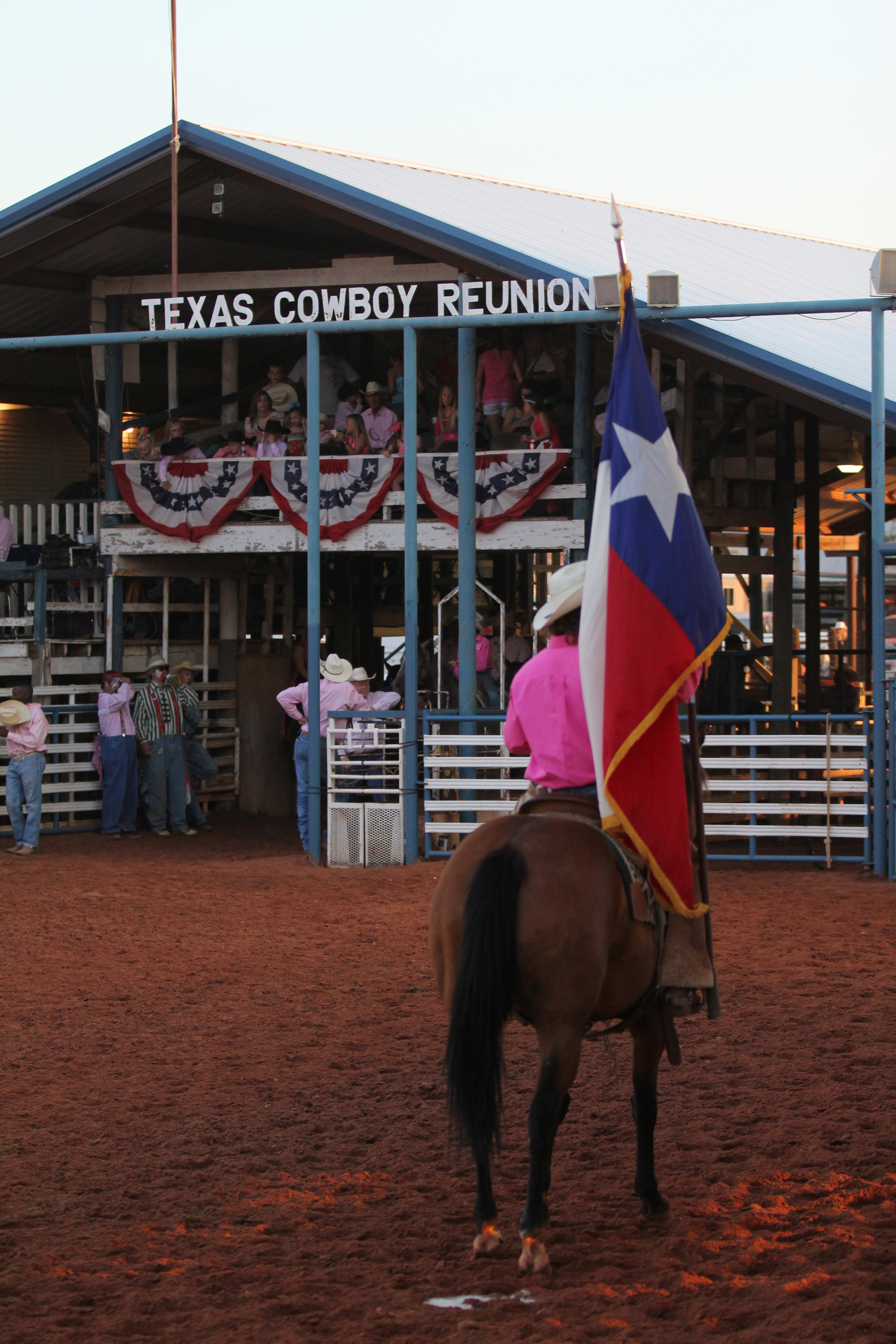 Actor has Amateur rodeo association and texas